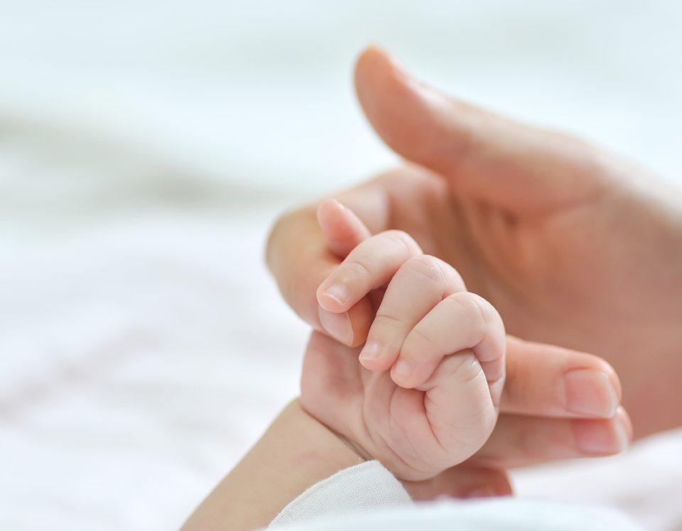 mão de bebé