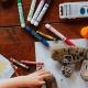 Criança a desenhar